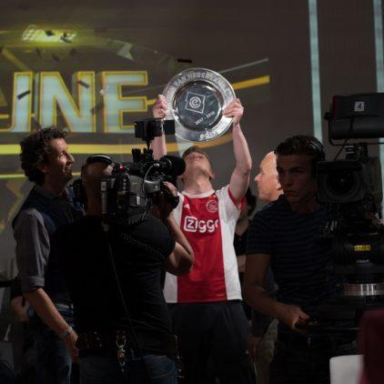 Ajax landskampioen in de eDivisie na klinkende zege in de eTribune